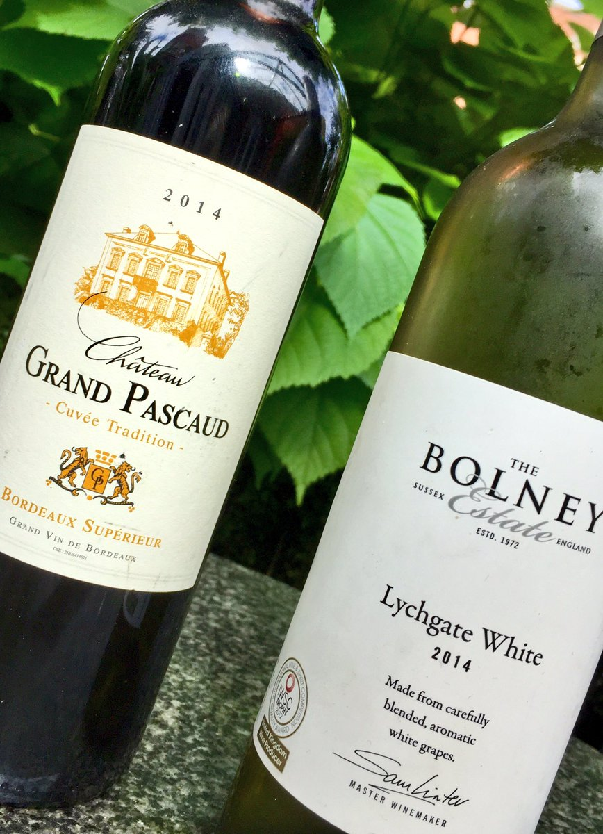 Friday night plans? Why not wine &amp; dine that special someone. 2 mains &amp; one of the delish wines below for £45! #datenight #Bordeaux <br>http://pic.twitter.com/0hb6Vt9URr