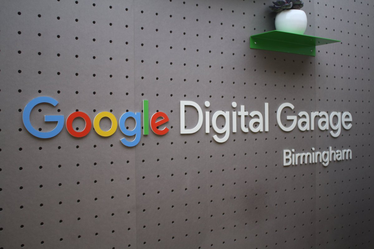 We had a great morning at the #Birmingham #DigitalGarage yesterday teaching #code for all the family! Thanks to @GoogleUK for having us <br>http://pic.twitter.com/yDNcyW8V0D