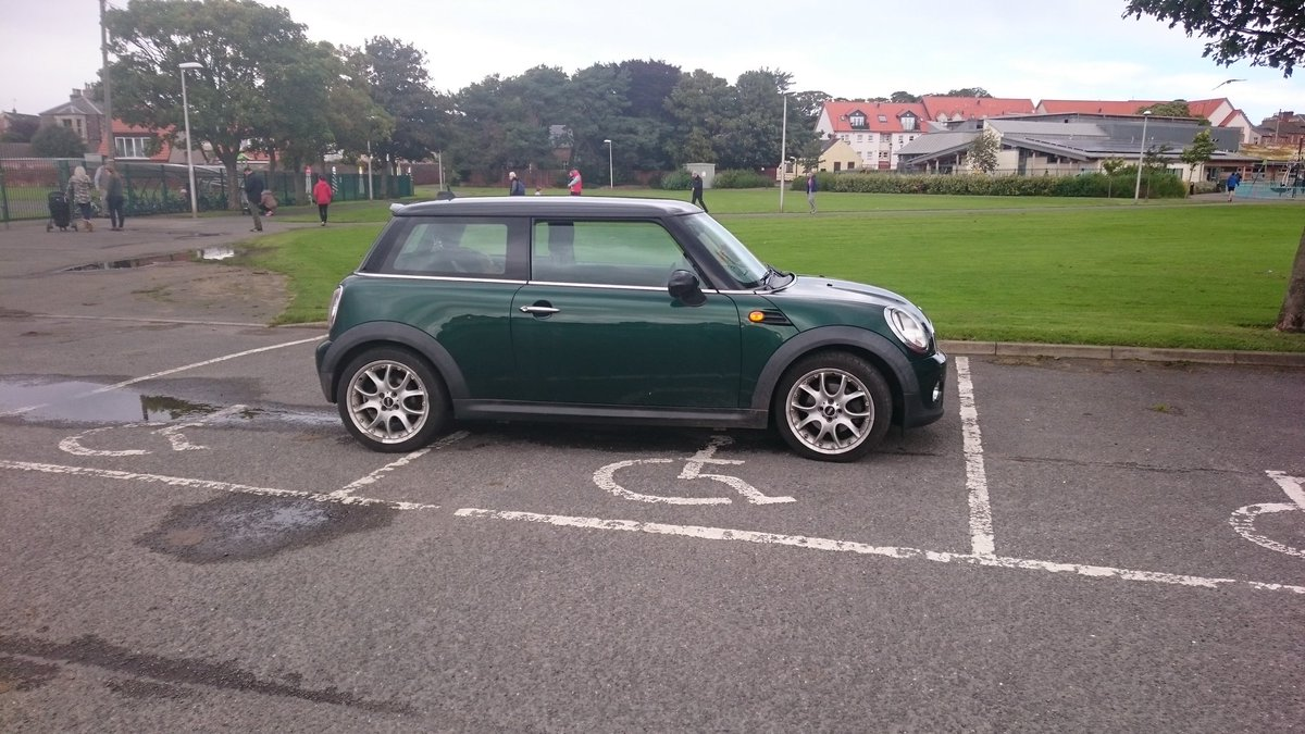 Her reason? She didn&#39;t want the baby to get wet @DunbarPrimary @ELCouncil #shocking #accessibility #parking #EastLothian<br>http://pic.twitter.com/laA9H4V6K9