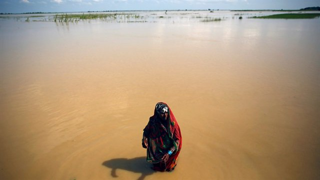 #Aid workers struggle as #SouthAsia #flo...
