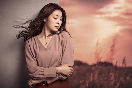 Юна Ким - Страница 4 DHgfl6xVYAAk9Jp