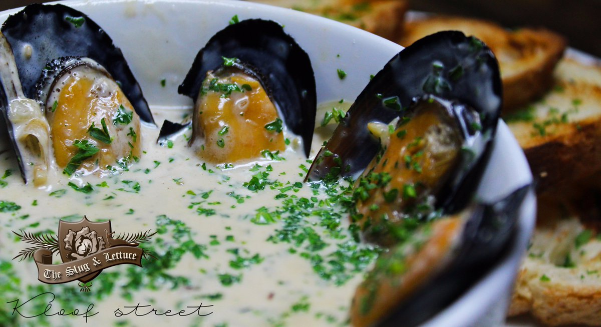 New to our Menu &quot;Mussel Pot&quot; - Garlic, white wine Cream sauce served with Sour dough crouts. #Mussels #KloofStreet #Restaurant #Bar #Grill<br>http://pic.twitter.com/sEN02N9POn