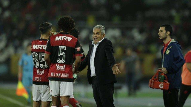 Pensador Rueda? Técnico indica perfil observador, mas se mostra ativo e direto em pouco tempo no Flamengo. https://t.co/VSheyfYcqy