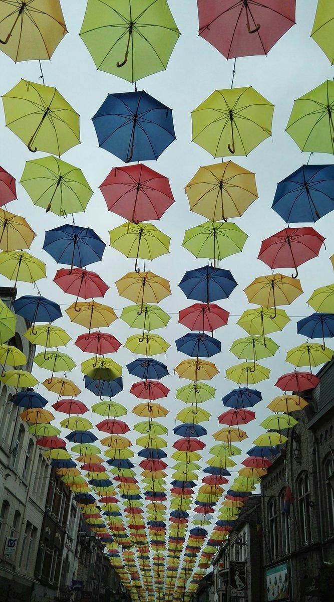 Singing in the rain #Belgique #Bastogne #Deco #Urbaine<br>http://pic.twitter.com/mFYaWKHTU0