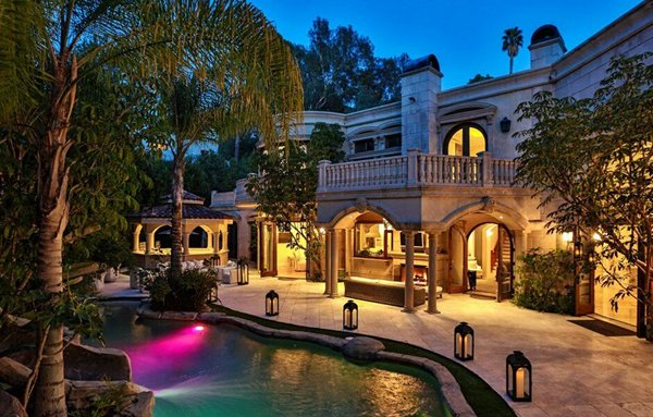 MANY THANKS for Sharing my Tweets! Have a Prosperous New Week! #Realtor #RealEstate #LuxuryRealEstate<br>http://pic.twitter.com/V929gtGPaW