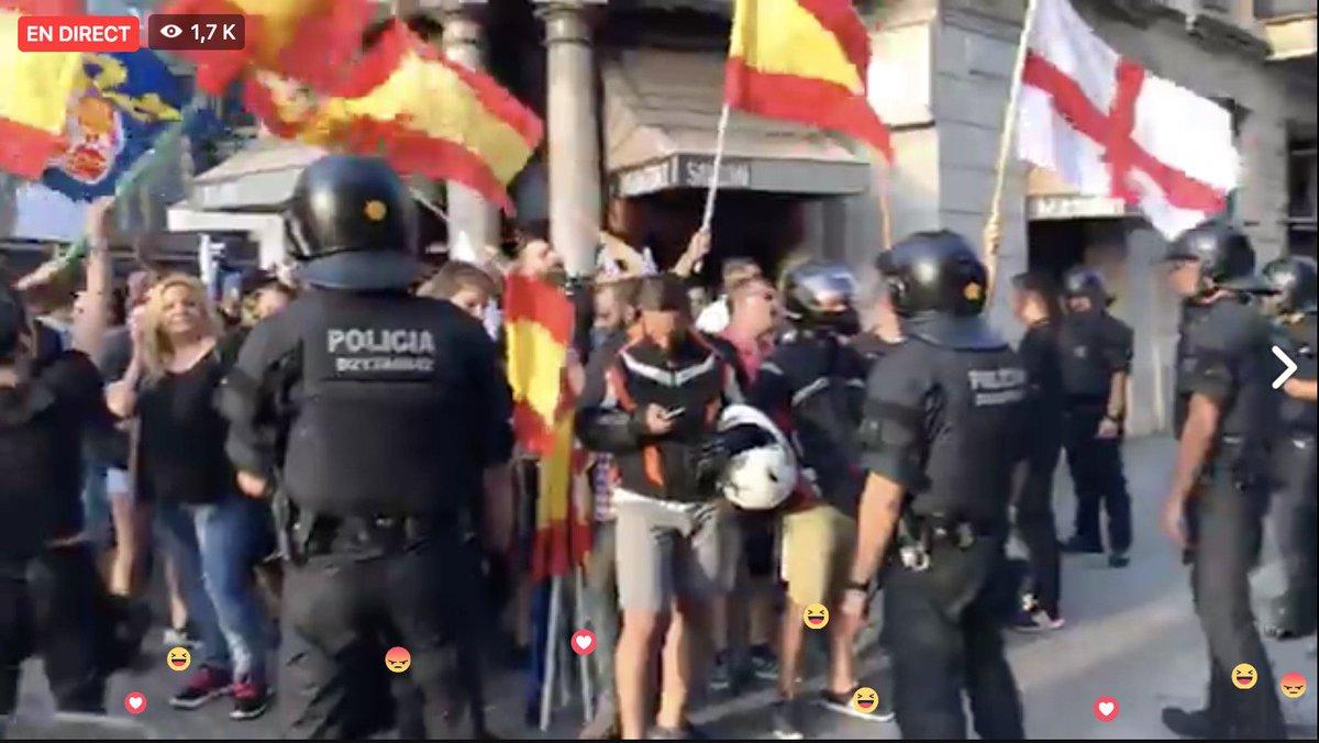 DIRECT - Tensions à Barcelone : une manifestation contre l'Islam et les réfugiés en cours. @RemyBuisine en direct. https://t.co/l93sktVe8o