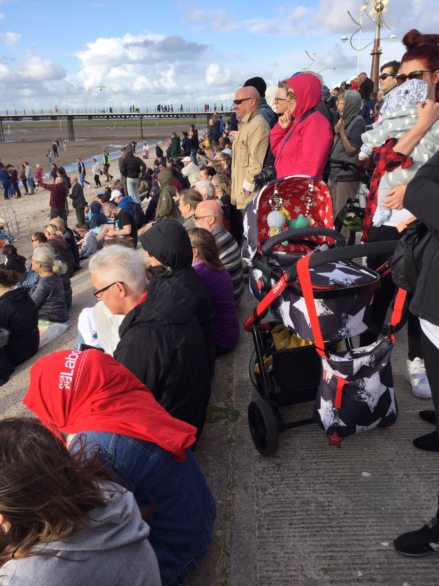 Huge crowds all ages singing oh #JeremyCorbyn @ #Southport beach @UKLabour @SouthportLabour rally. I&#39;m here with @prestonlabour @pcc_leader<br>http://pic.twitter.com/mqCK2XyP5L