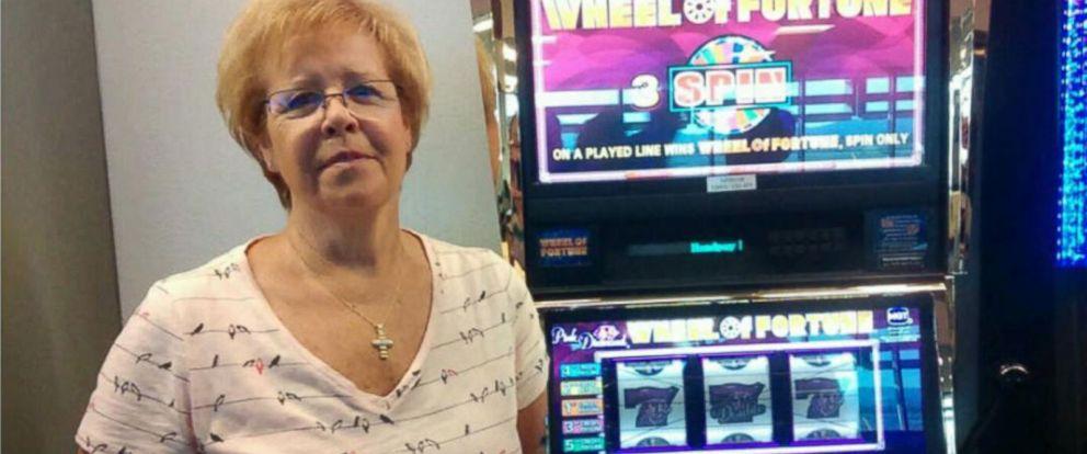 Woman hits $1.6 million slot jackpot at Vegas airport: https://t.co/G8...