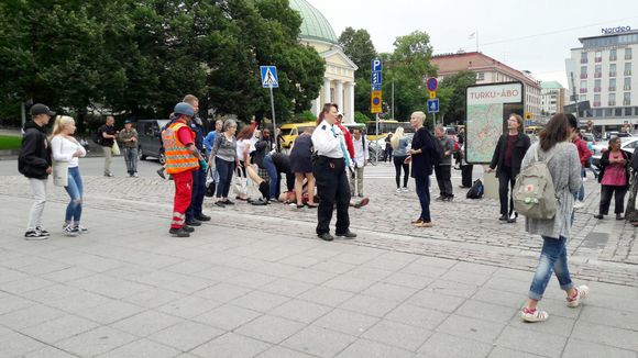 Shots and casualties reported in central #Turku #Finland  https://t.co/Zz98J2BHhW https://t.co/IdoXC8xrCc