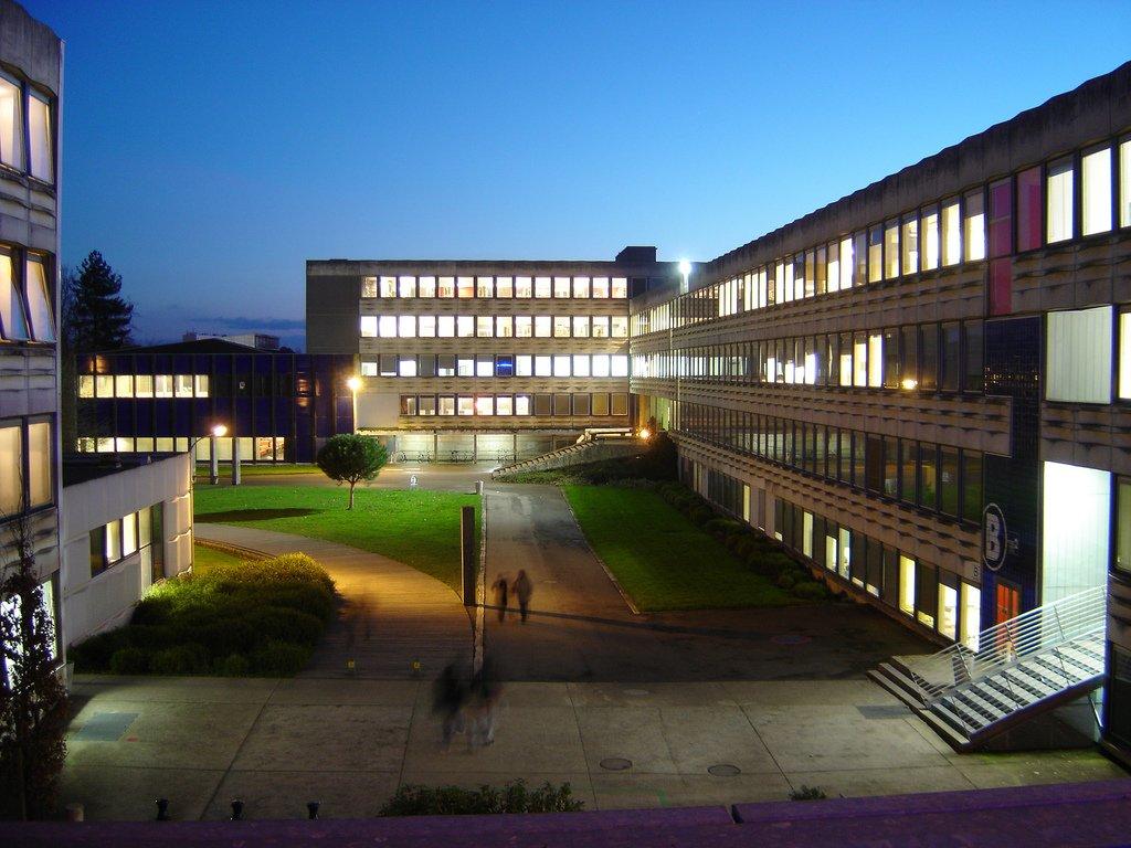 Avec plus de 65 000 étudiants, #Rennes est la 6ème ville universitaire de province derrière Lyon, Lille, Toulouse, Bordeaux et Montpellier. pic.twitter.com/pIcekfKbKA
