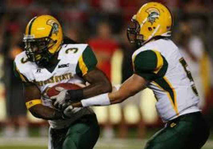 #TBT   In 2011, Norfolk State was selected co-Black College National Champions but was later vacated by NCAA    #HBCUFootball #NSU #BCNC<br>http://pic.twitter.com/y3Kxb9ZqFJ