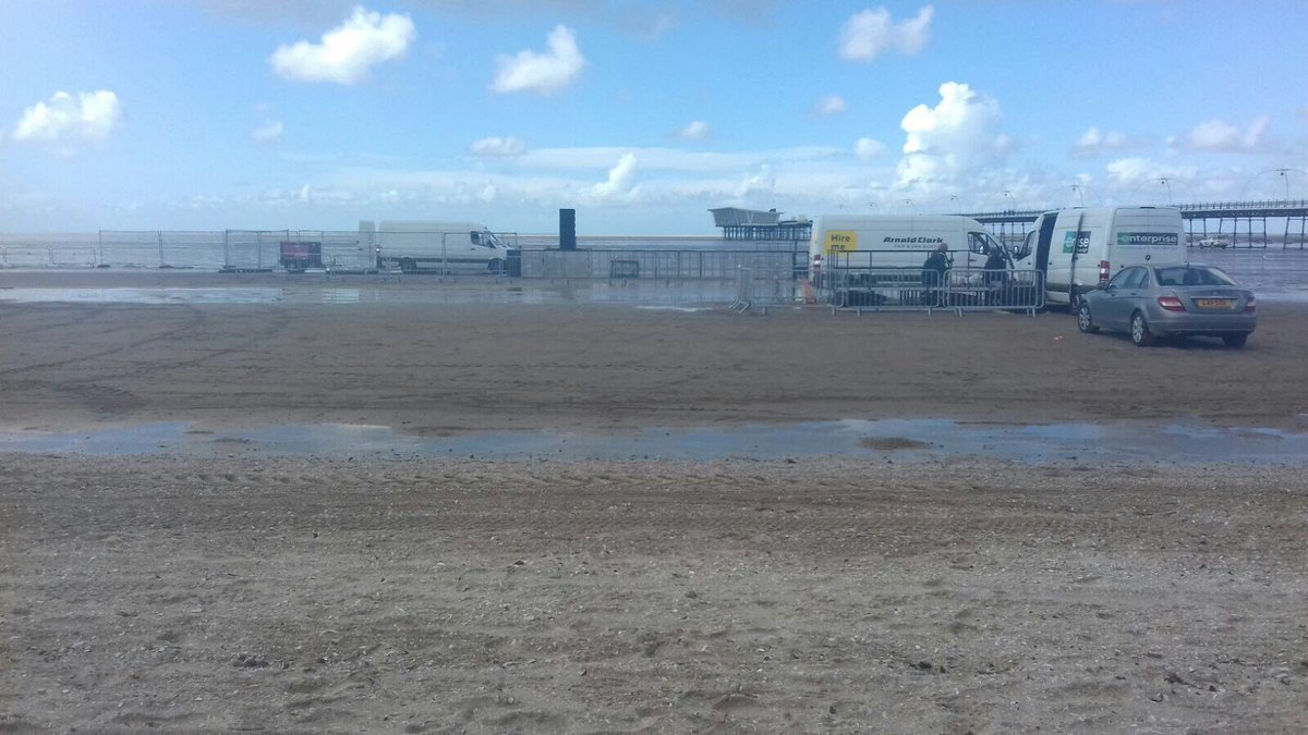 The stage is set, Make sure you get down to #Southport Beach today 5.30pm, bring your friends Bring everyone!! <br>http://pic.twitter.com/IZUd0WycP8