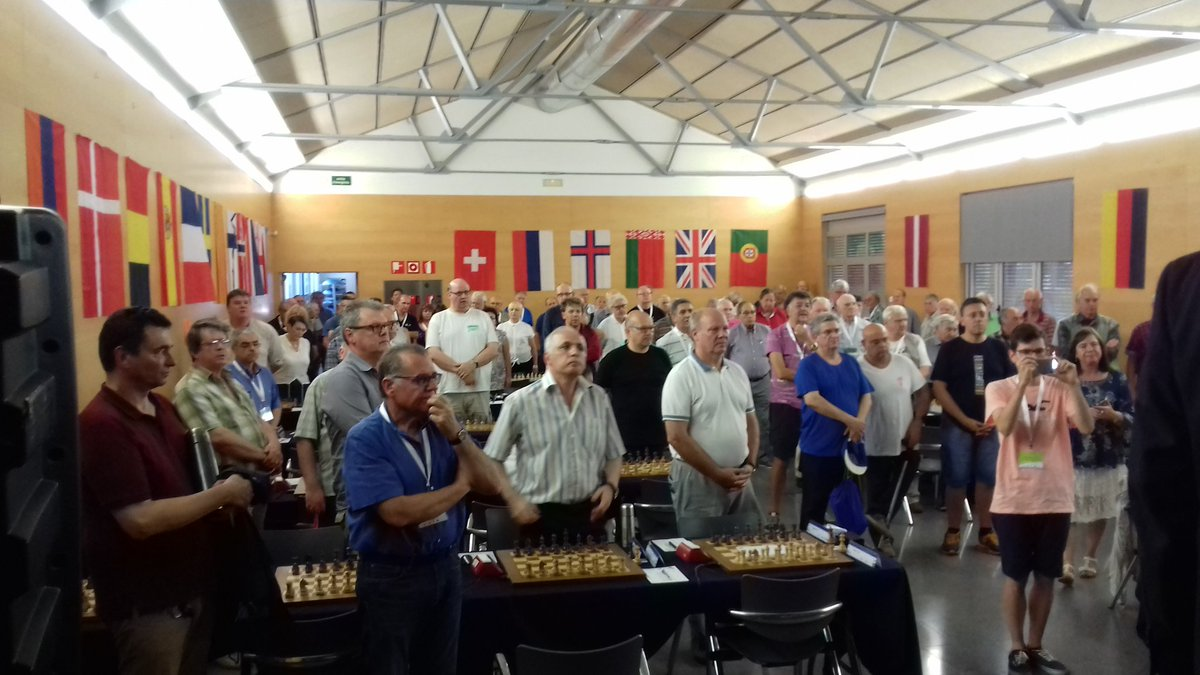 A very emotive minute of silence for the memories of those who lost their lives yesterday in Barcelona. #Peace  @ECUonline @FIDE_chess<br>http://pic.twitter.com/z2WSkzdMzs