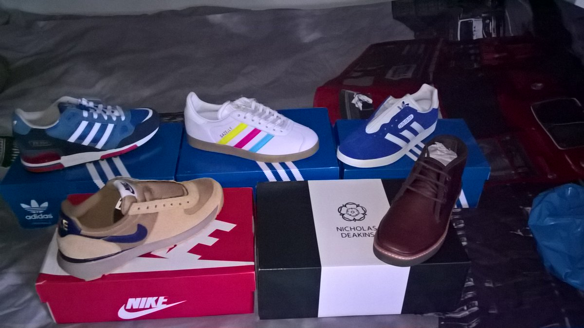Gotta love a delivery when you get home  @SockCouncil #adidas #Nike #nicholasdeakins #trainers #shoes <br>http://pic.twitter.com/zWXjwHTh7N