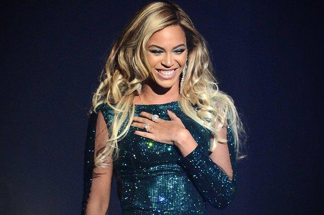 Beyoncé offers a look inside 'Lemonade' with new coffee table book https://t.co/aeIj5lu3XT https://t.co/aC2bBM0VKH