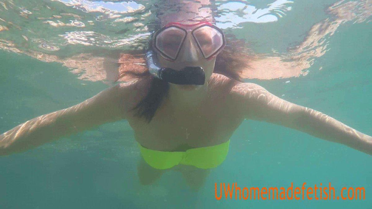 Homemade underwater bikini pics