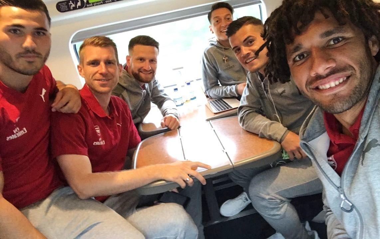 First away trip this @premierleague season with these guys 🤙🏼🤙🏼 #YaGun...