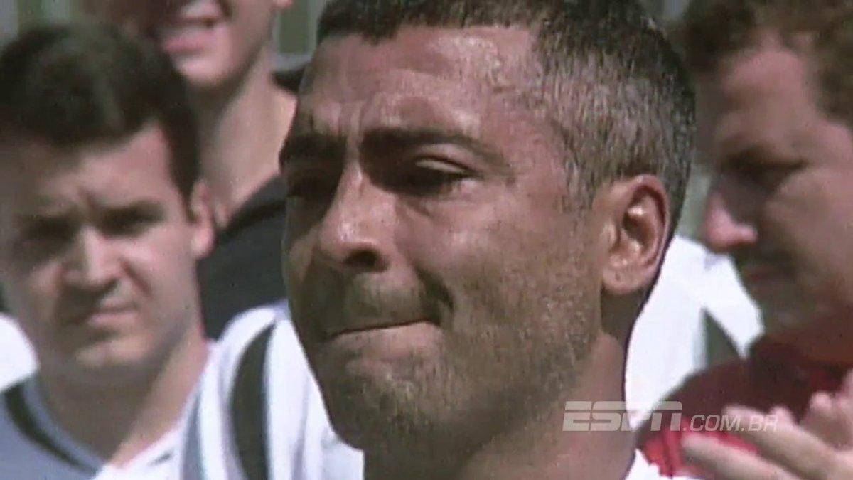 Quem viu? Há 10 anos, Romário ia às lágrimas diante de homenagem em São Januário https://t.co/PiIyns5QvF