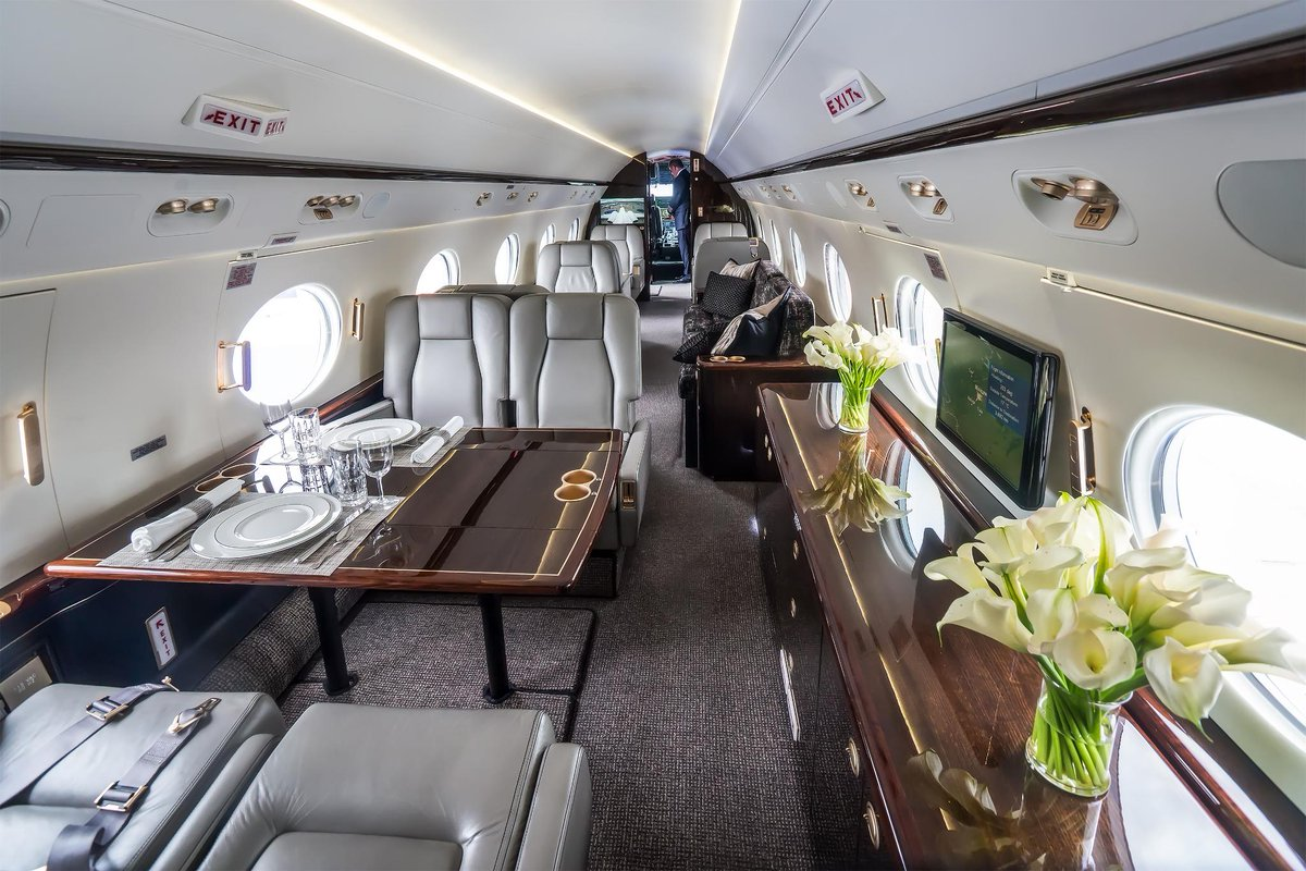 When it comes to maintaining a #bizjet, there's more than meets the . Here&#39;s the real cost of owning a jet   http:// hwll.co/adpu2  &nbsp;  <br>http://pic.twitter.com/Sso29fmloo
