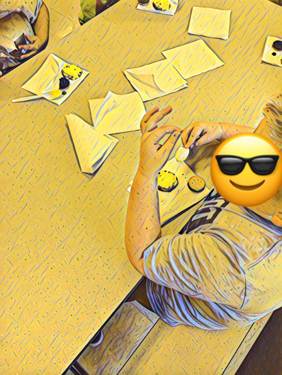 .Students learning about the solar eclipse! #NWlovelearnlead #SolarEclipse2017  #LionPride #Oreo #M&amp;M <br>http://pic.twitter.com/wAURQoddp8