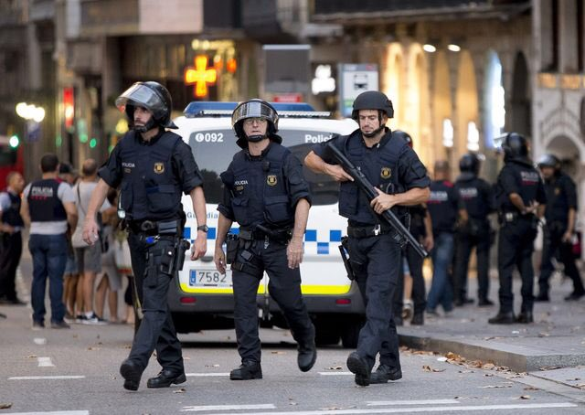 Balance of Power: #Barcelona&#39;s Impact Stretches Far Beyond #Spain  #CarAttack #terrorisme  https://www. bloomberg.com/news/articles/ 2017-08-18/balance-of-power-barcelona-s-impact-stretches-far-beyond-spain &nbsp; … <br>http://pic.twitter.com/v3JOyPS2S7