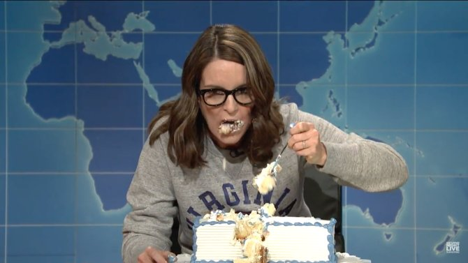 Tina Fey introduces the world to #sheetcaking in a hilarious @SNLUpdat...