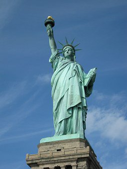 Do the English differ from the Scots? A true story of two families: from #Glasgow then to #NewYork for surprise end   http:// myBook.to/ScotlandNewYork  &nbsp;  <br>http://pic.twitter.com/pmN1W1dl6j