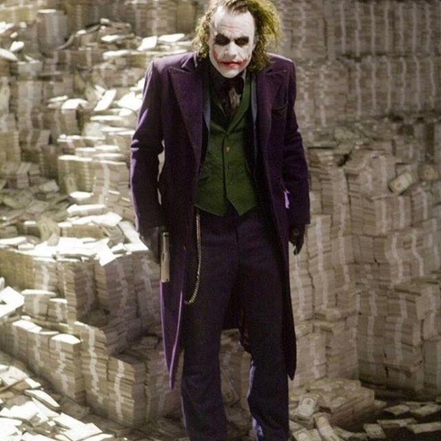Incredible!  #Batman #dccomics #superman #manofsteel #dcuniverse #dc #m ...  https:// ibatcaves.com / &nbsp;  <br>http://pic.twitter.com/w76fyEjJvz