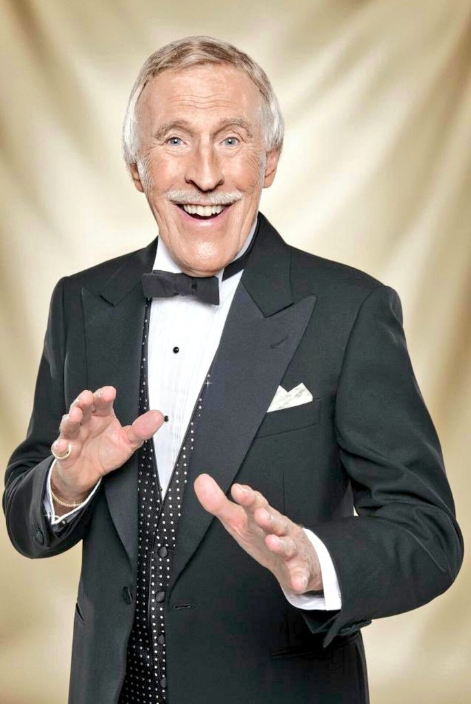 Sir Bruce Forsyth: TV Entertainer legend dies aged 89