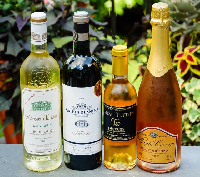 Join our #winophiles chat on affordable French wines. My pick? Surprise! #Bordeaux  https:// foodwineclick.com/2017/08/18/sur prisingly-affordable-wine-region-bordeaux-winophiles/ &nbsp; …  join us Sat. 10amCDT<br>http://pic.twitter.com/6dRgnJyk4I