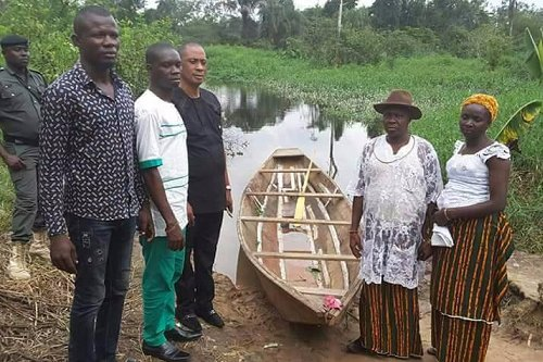 """DESOPADEC Commissioner Itiwhe, aspiring for House of Representatives, commissioned this """"ultra-modern"""" canoe to his people for transportation."""