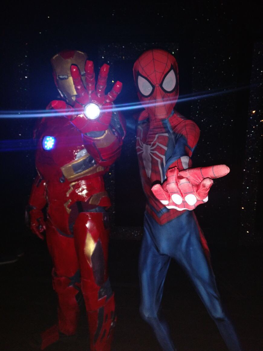 #IronMan & #Spiderman chilling out after the success of #SpiderManHomecoming! #HomeToSuperheroes