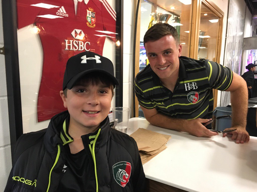 Welcome to Tigers  @George_Fordy @LeicesterTigers #tigersfamily #meettheplayer <br>http://pic.twitter.com/2Vhz0JUYgA
