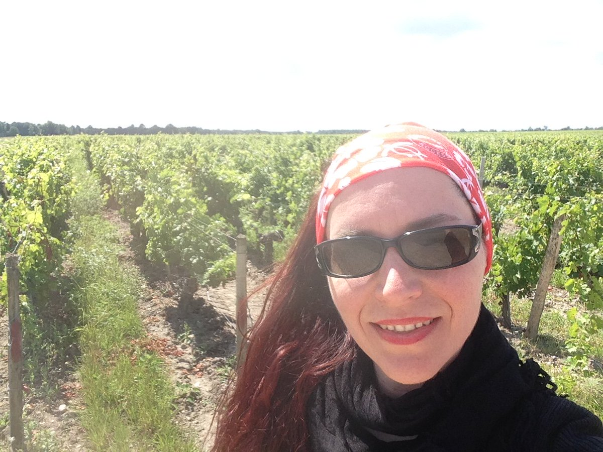 Drinking wine in #Bordeaux One of Life's Most Civilised Pleasures. Article co-edit Lorna Jackson of @JMC1512  https://www. linkedin.com/pulse/drinking -wine-bordeaux-one-lifes-most-civilised-eva-caletkova &nbsp; …  #wine<br>http://pic.twitter.com/SkPQbaFNDo
