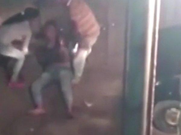 видео как девушки танцуют тверк