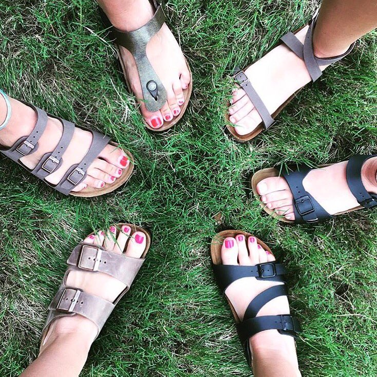 Freebie Friday!  RT &amp; tag 2 friends for a chance to win a pair of @BIRKENSTOCKUSA! #Kinnucans #GotItAtKinnucans #friyay #birkenstock<br>http://pic.twitter.com/A9BcDpx9xt
