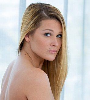 Szilvia Lauren naked 117