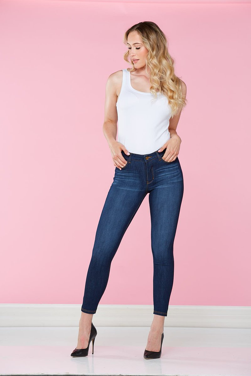 Get #instantly #flawless with the NEW Peter #Nygård #Jean! Visit @NygardSlims at our show in #Ottawa Oct 21-22 &amp; #Toronto Nov 10-12!<br>http://pic.twitter.com/M4otbM00Nh