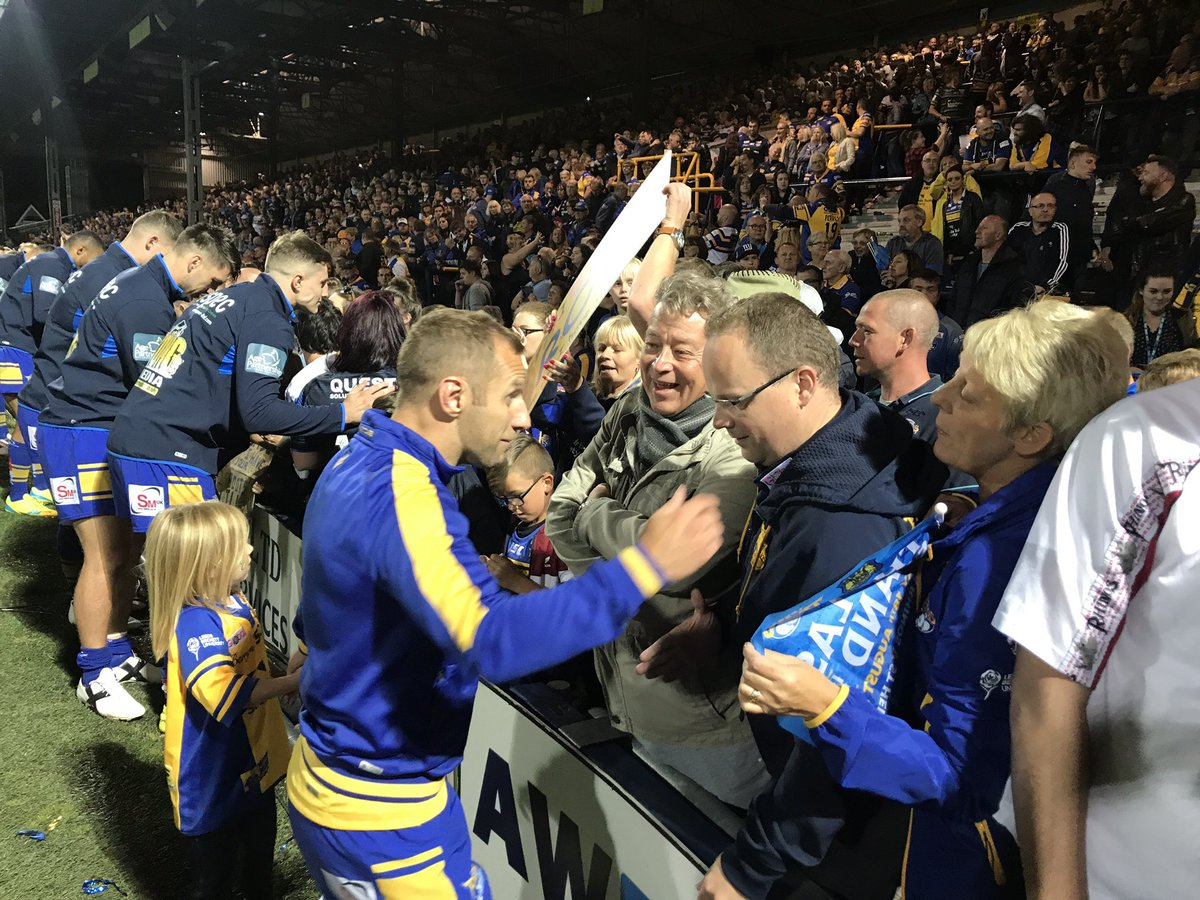 The players have gone over to the #SouthStand to meet the southstander...