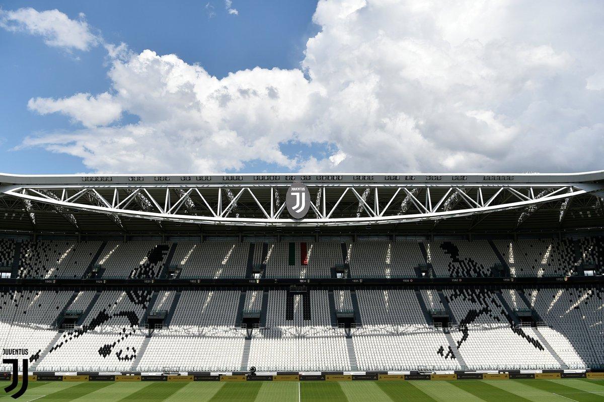 Domani...  #JuveCagliari ⚪️⚫️ #FinoAllaFine https://t.co/06VjNK8D7T