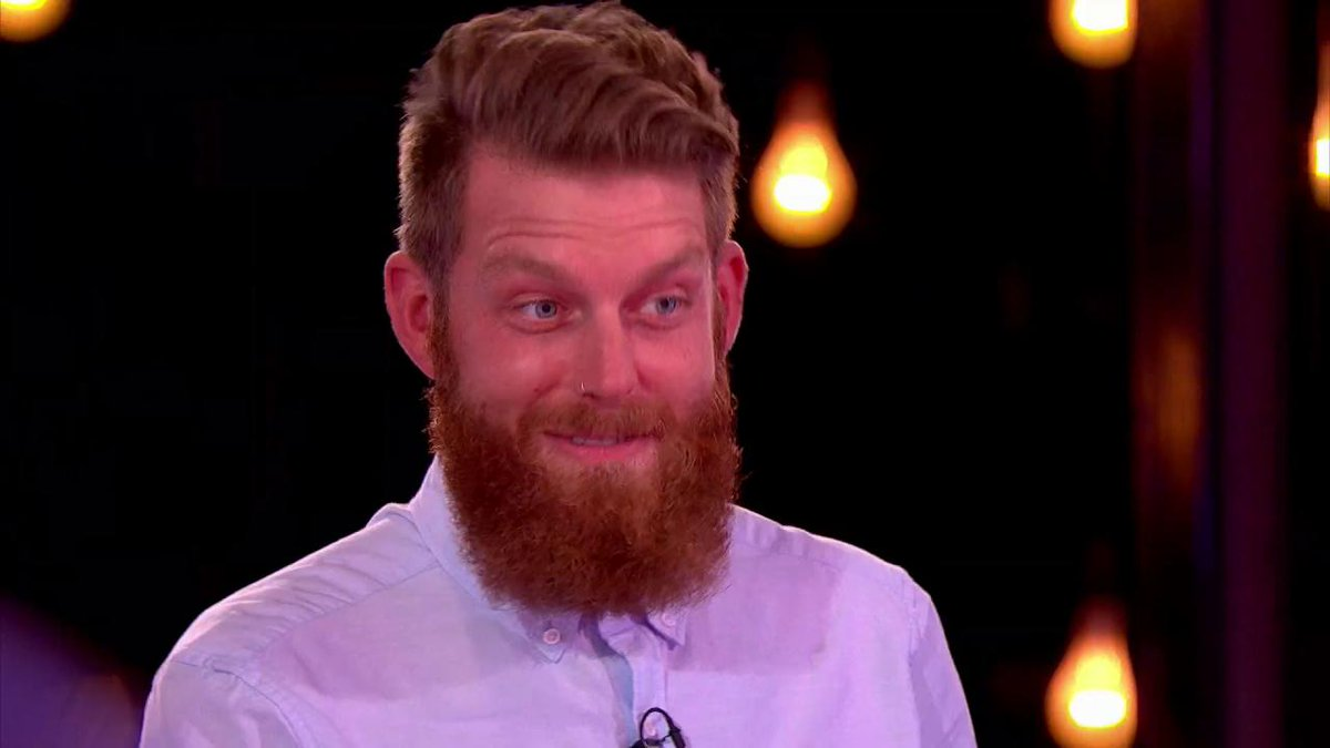 Craig's unintentional bum-reaction noise on #NakedAttraction https://t...