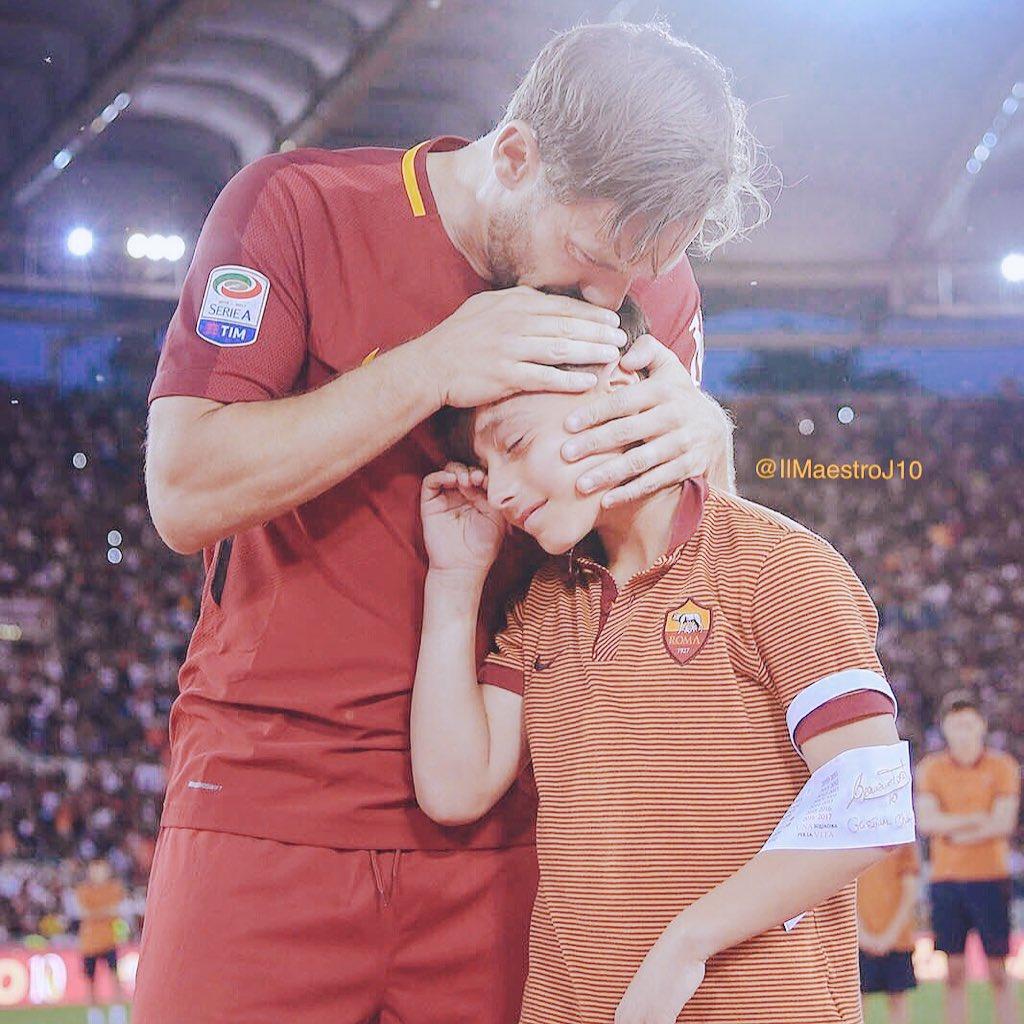 Miss You ..  #GrazieTotti #NewProfilePic #ASRoma #Roma #R4ELive<br>http://pic.twitter.com/wBARzkrrPE