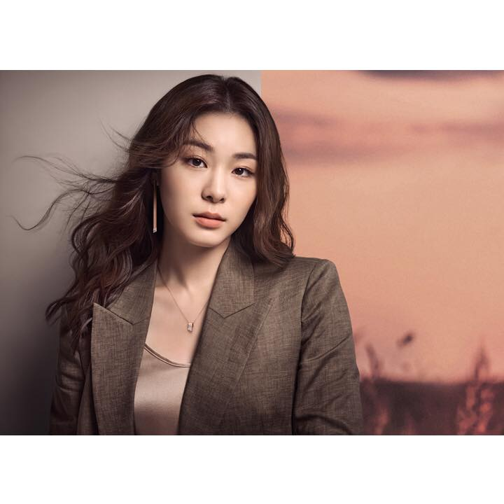 Kim Yuna presents her alluring appeal for J.ESTINA https://t.co/fO5wkr...
