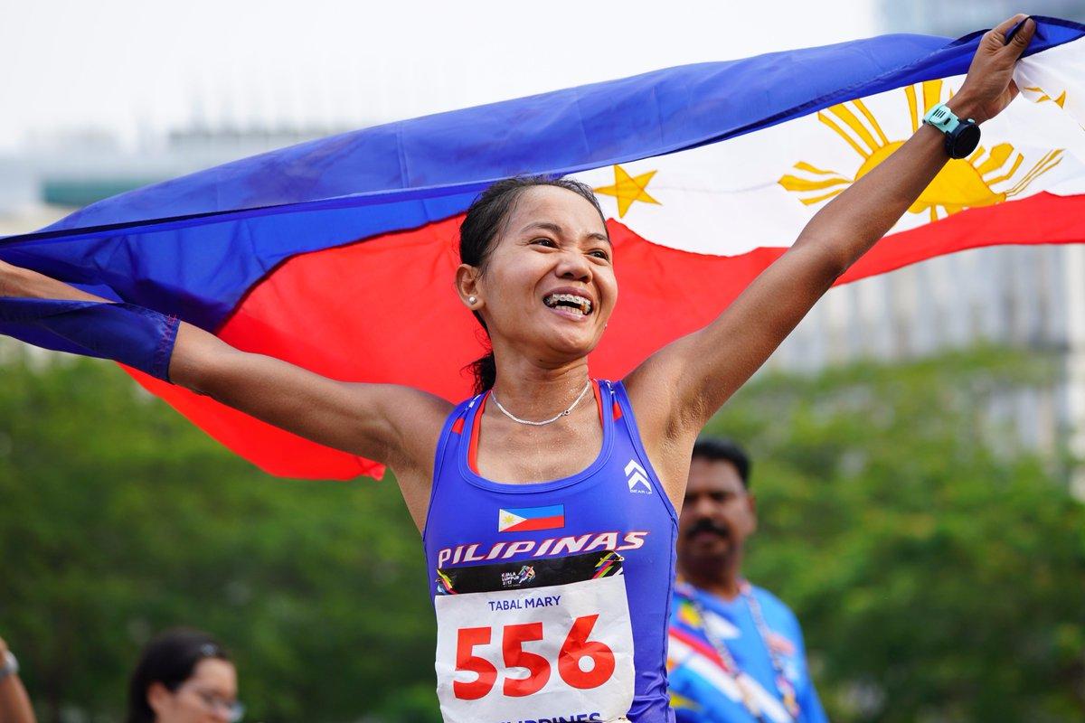 Athletics | Women's Marathon: Tabal Mary #PHI (2:48:26), Thi Thanh #VIE (2:55:43) &amp; Natthaya T. #THA (2:58:17).  #KL2017<br>http://pic.twitter.com/tDSuOWQtQt
