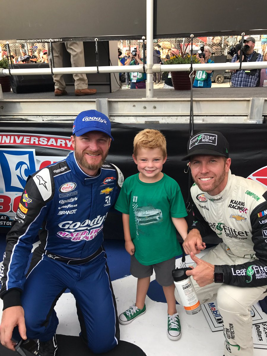 Thank you @DaleJr for taking this pic with my son! This is awesome. https://t.co/MLpoojcreK