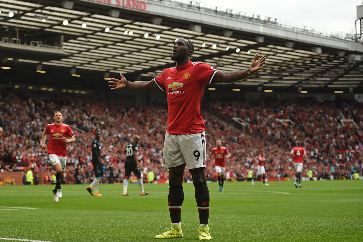 Lukaku is looking to become the fifth @ManUtd player to net in his first two #PL apps (also Ibrahimovic, Martial, Macheda, Saha)   #SWAMUN<br>http://pic.twitter.com/EzBwOemRWW
