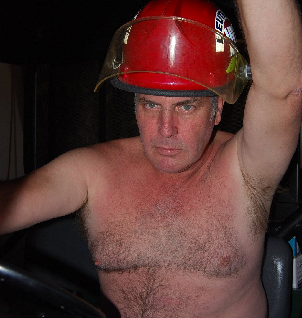 LOOK LIKE THIS GUY? get monthly salary  http:// MODELINGPORTFOLIO.org  &nbsp;   #fireman #firemen #calendar #firefighter #firetruck #hairychest #hunk #cute<br>http://pic.twitter.com/ZXikkoXKb9