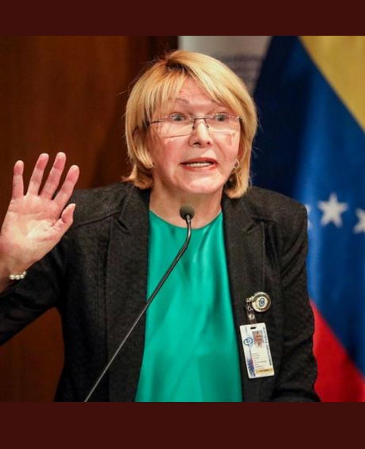 Breaking: #Venezuela's Attorney General flees to Colombia on a boat. Says she&#39;s being persecuted for speaking out against Maduro government <br>http://pic.twitter.com/TJNDQ7Qm2R
