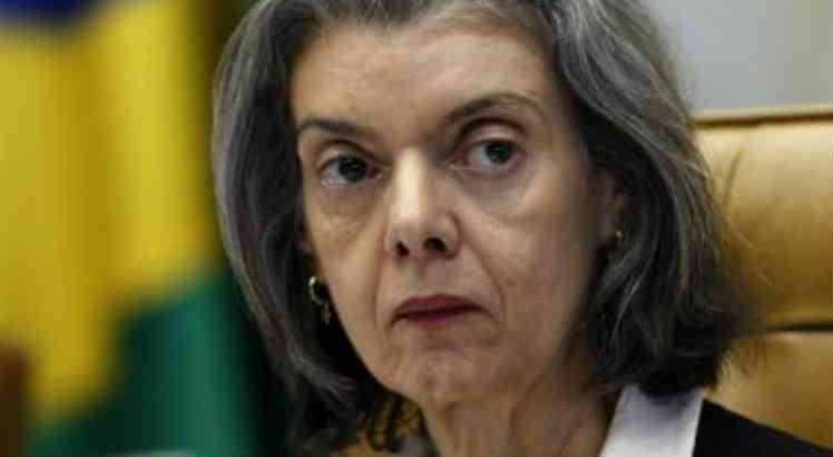 Após 'supersalários': Carmén Lúcia manda tribunais informarem salários de juízes https://t.co/rJCDhsJvAc