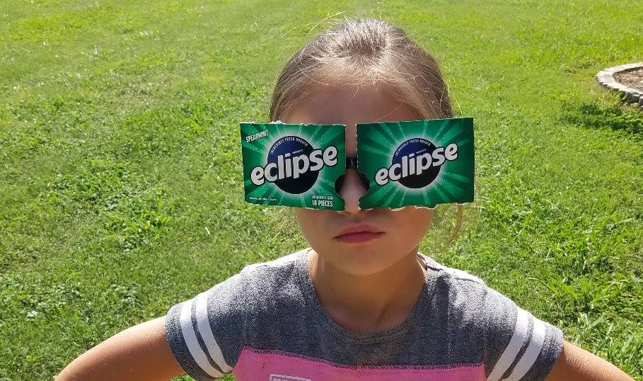 😂😂  BEST ECLIPSE GLASSES EVER 😎  Paisley Dickey gets an 'A' for effort...